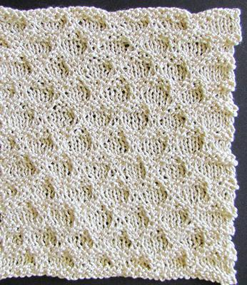 Honeycomb Stripe/Knit Quilt swatch photo