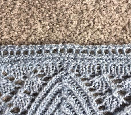 Narrow ribbed edging with eyelets swatch photo