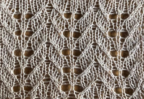 Lace-cable feather chevron swatch photo
